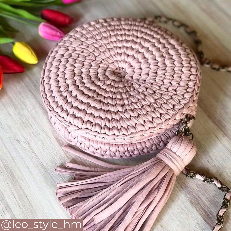 Круглая сумочка из трикотажной пряжи